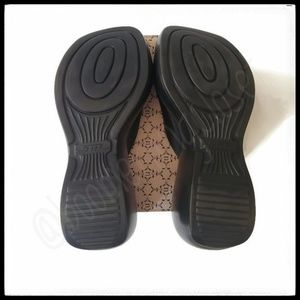 Steve Madden Shoes - 🌟Host Pick🌟Vintage Steve Madden Platform Sandals